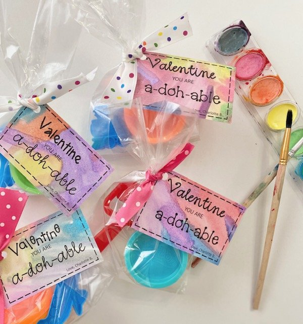 play dough valentine bags ready to share
